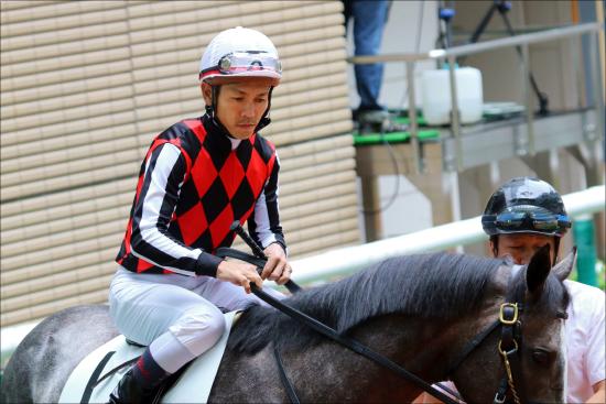 JRA戸崎圭太「評判最悪」騎乗で干される寸前......得意の夏も成績下降、モレイラくれば終わりの意見もの画像1