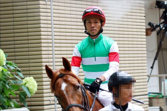 JRA戸崎圭太「人気馬と大喧嘩」惨敗......平場も重賞もいいとこなしで寒々しい夏終了