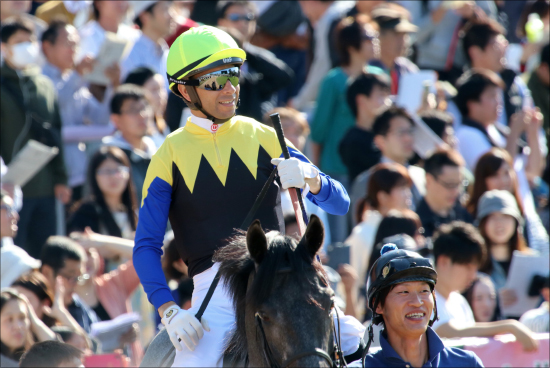 JRA「日本人終了?」オドノヒューも神騎乗で差拡大の一途......ムーア、ビュイック、C.デムーロもスタンバイ