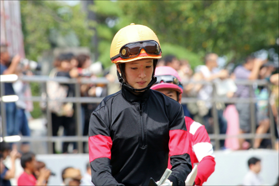 JRA藤田菜七子「来年70勝以上確定?」女性騎手負担重量「大幅減」改革でリーディング争いも可能に