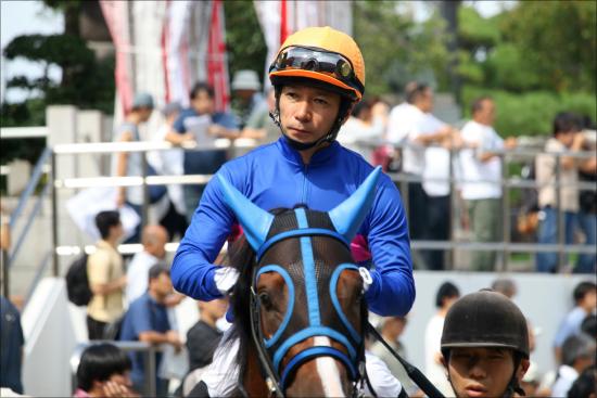 JRA内田博幸騎手「引退」の声!? 空き巣大失敗、久々の関西登場も人気馬飛ばしまくりで評価ガタ落ち......の画像1