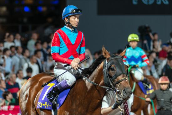 武豊フォワ賞最下位。勝ち馬陣営「ジャパンC向く」!クリンチャー惨敗以上に驚愕