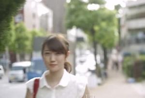"""【動画あり】女性を""""チラ見""""""""チラ見返し""""サイト「すれちがい美女」が話題に"""
