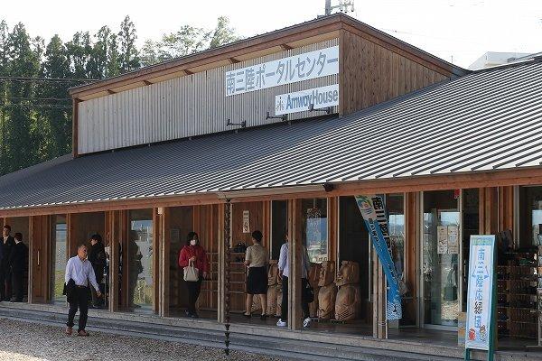 ザ・リッツ・カールトン東京の心得「サービスの3ステップ」