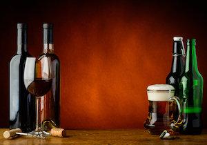 ワインとビールが糖尿病リスクが低減させる?「糖尿病対策には蒸留酒」は不正確?