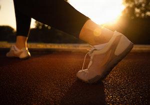 1日1万5千歩で心臓疾患とがんのリスクが劇的に低下!7時間立っているだけでも同様の効果
