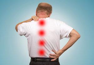 「脊柱管狭窄症」の原因はPC・スマホ、車の運転!? ストレートネックから難病に!の画像1