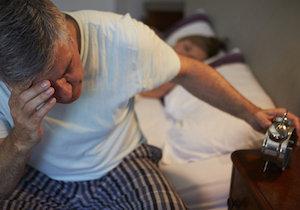 睡眠不足や睡眠障害で腰痛に? 免疫機能の乱れから痛みに敏感に……の画像1