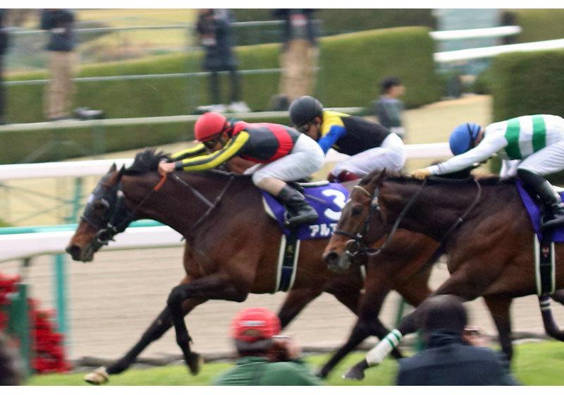 JRA大阪杯(G1)アルアイン北村友一「神騎乗」でG1初制覇! 大接戦なのに「ノーステッキ」動かない