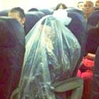 ビニール袋の中に入らないと飛行機に乗ってはいけない宗教