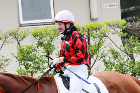 JRA藤田菜七子「飲酒疑惑騒動」払拭へ!? 前回「騎乗回避」の愛馬との勝利に「西」へ向かう