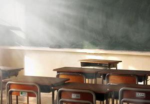 「ブラックバイト」で大卒を買うのは「ムダ金」か......固定観念に囚われる学生の悲劇