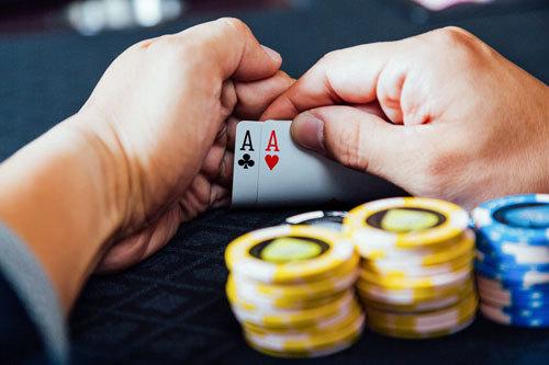 ギャンブル依存症「夫婦」の実態がやばすぎる......ラスベガス結婚式すっぽかしてカジノ、10年で借金は驚愕の......