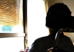 親の介護を任せられ、婚期もキャリアも逃していく、増加する「介護独身」の苦悩とは?