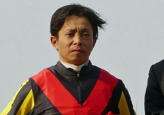岩田康誠騎手「完全復活」は目前!? 京都大賞典アドマイヤデウスで見せた久々の「積極騎乗」