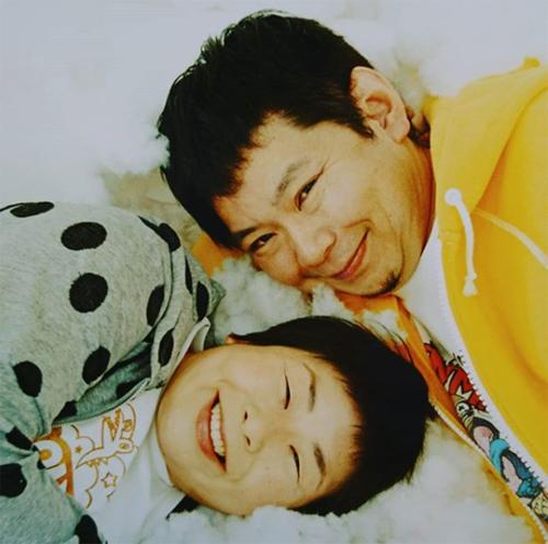 鈴木おさむのブログが物議、SHIHOも大批判された「叱らない子育て」と炎上の相性の良さの画像1