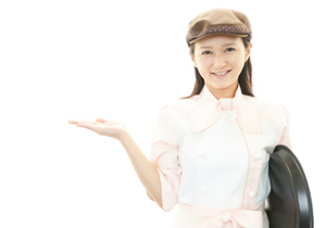 「1万円からお預かり…」「メニューのほう…」気色悪い「バイト敬語」問題、ついに本部が対策への画像1