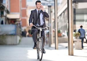 自転車事故急増で法律重罰化!意外な14の危険行為、犯すと講習&受講料徴収の画像1