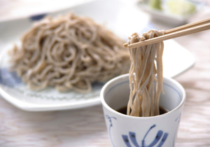 蕎麦(そば)が危ない!危険な中国産が蔓延、大量の防虫剤や農薬が残留か