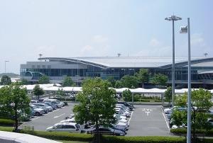 広島空港、閉港危機 不便&危険、深刻な利用者離れ、アシアナ機事故で加速 打開策なしの画像1