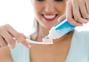 フッ素入り歯磨き粉は危険!がんや骨肉腫、ダウン症の原因との指摘もの画像1