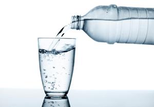 スーパーの給水サービスは細菌繁殖で要注意?ペットボトル、中身が水道水と同じものもの画像1