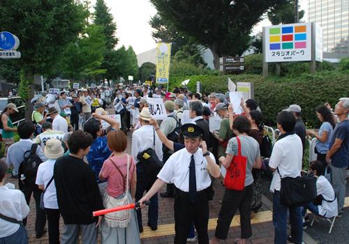 NHK、驚愕の「安倍政権ベッタリ」偏向報道が発覚!ついに国民が抗議の包囲網!の画像1