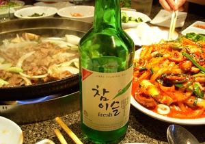 「人体に悪影響…」韓国焼酎業界、醜い潰し合い!ライバルのデマ流布&パクリ合戦