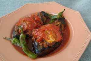 たまには自宅で絶品トルコ料理!挽き肉・トマト・野菜のスパイシーなハーモニー!