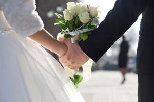 田中裕二結婚、太田社長が異常対応の謎 報告会見で記者全員へブランド品贈呈の意味