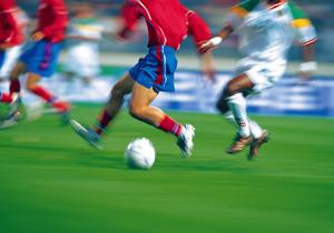 月給10万円、給与半減…貧困化する海外の日本人プロサッカー選手?
