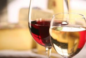 川島なお美さん逝去、ワイン大量摂取とがん罹患に関係はあるのか?医師が解説