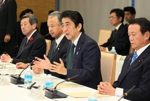 安倍首相・甘利コンビの民間介入に、経済界が「経済音痴」「トンチンカン」と一斉反発