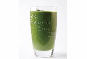 体の毒素をはき出し、美容効果も!朝食にはデトックスジュース!