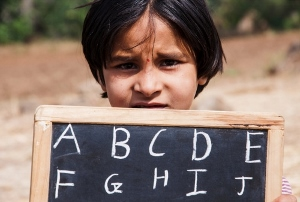 「英語&理数大国・インド」のまやかしと虚像 識字率や初等教育修了はわずか5割?
