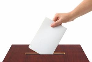 「机の角を脳天に突き刺すぞ!」と投票所でわめき70代男性をぶん殴った男、懲役刑か