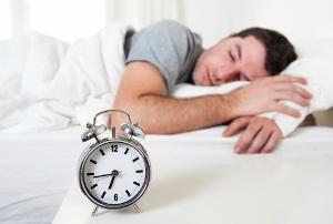 「休日に寝だめ」は危険で絶対NG!心筋梗塞や脳卒中の恐れ 寝不足のほうが健康的!の画像1