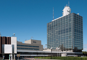 NHKでハケン切りの嵐!公共放送なのに脱法的労働形態、退職強要でうつ病
