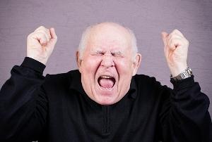すぐキレるトンデモ暴走老人が急増!20代女性にラブレター返され脅迫、腹を立て妹を撲殺の画像1