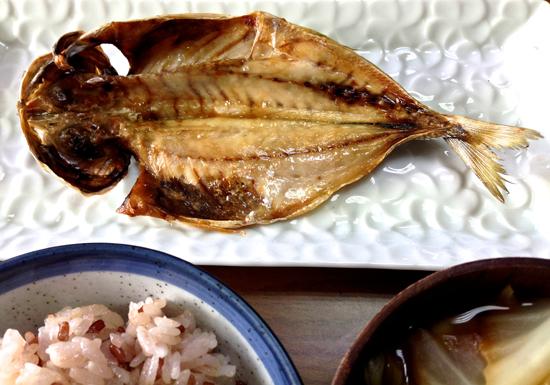 魚を食べないと機能低下の危険!脳梗塞やがん、アレルギーが増加する恐れも