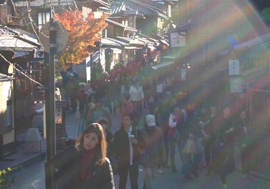 中国人旅行客、日本中でやりたい放題!会計前のアイス食べ店員暴行、トイレを滅茶苦茶の画像1