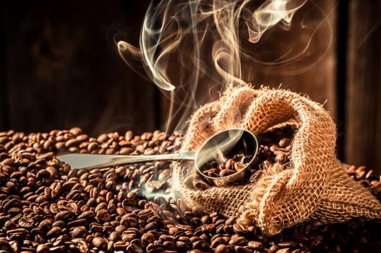 出がらしまで提供…コーヒー市場、なぜ不味くなりすぎて規模半減? 不毛な価格競争の末路の画像1