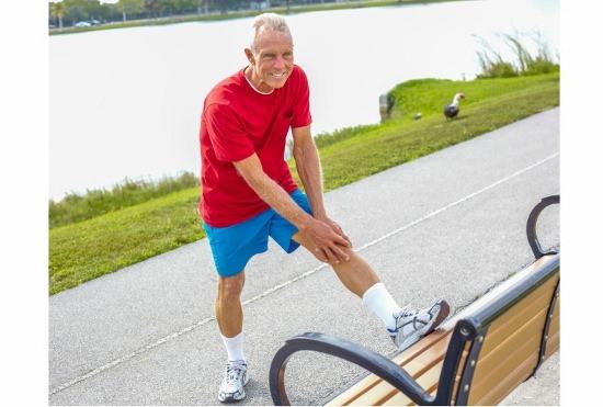 階段昇り降り・20分間連続歩行できない高齢者、3年以内に要介護認定の可能性増大の画像1