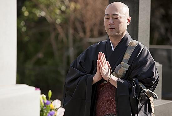 ベンツ乗り回すお坊さん、お布施不明瞭…アマゾンのお坊さん便に全日本仏教会が中止要請
