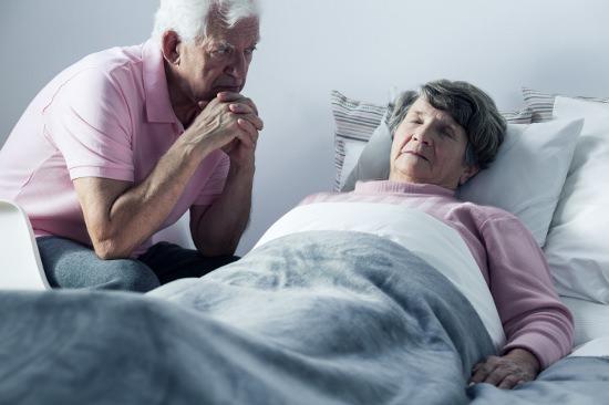 老人ホーム、日常的な虐待・暴力の実態が露呈し始めた…入所者から職員への暴力も多発の画像1