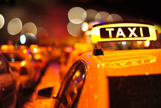 トンデモなタクシー客たち!車中で自慰行為、女性運転手にパンツの色を聞く&体を触るの画像1