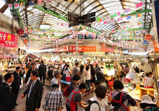 韓国で中国人観光客からのボッタクリが大ブーム…タクシー料金5倍、のり巻き1個千円