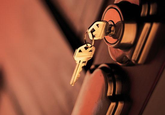 自宅の防犯が弱すぎて危険!一瞬外出時に鍵掛けず、寝る時に窓鍵掛けず、Wロックなし…の画像1