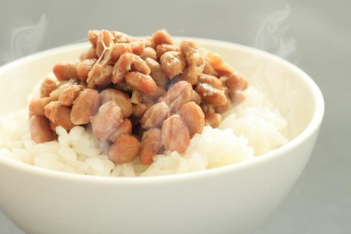 花粉症、納豆や大葉を食べると症状緩和?キムチ・青魚・レンコンも効果的!の画像1
