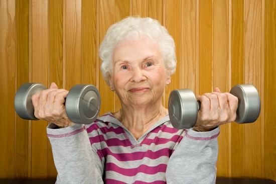 なぜ老人は体がこんなに縮む?シニア期の老化速度、30歳時の体づくりが多大な影響!の画像1